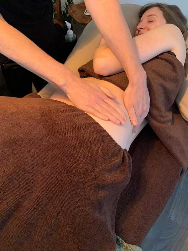 pregnant-woman-getting a massage